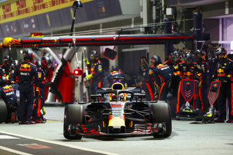 Daniel Ricciardo, Red Bull Racing RB14, lascia il box