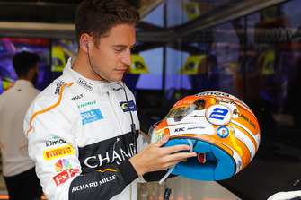 Stoffel Vandoorne, McLaren met speciale helm