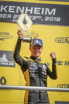 Podium: Max Fewtrell, R-Ace GP