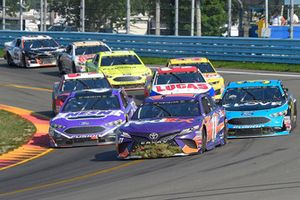 Denny Hamlin, Joe Gibbs Racing, Toyota Camry FedEx Ground, Matt Kenseth, Roush Fenway Racing, Ford Fusion NESN, Michael McDowell, Front Row Motorsports, Ford Fusion K-LOVE RADIO