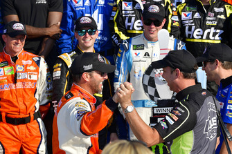 Alan Gustafson, Chad Knaus, William Byron, Hendrick Motorsports, Chevrolet Camaro Hertz, Alex Bowman, Hendrick Motorsports, Chevrolet Camaro Nationwide Children's Hospital, Chase Elliott, Hendrick Motorsports, Chevrolet Camaro SunEnergy1, Jimmie Johnson, Hendrick Motorsports, Chevrolet Camaro Lowe's for Pros