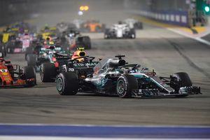 Lewis Hamilton, Mercedes AMG F1 W09 EQ Power+, al comando alla partenza della gara