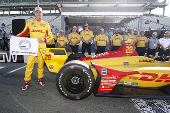 Verizon P1 Pole Award Winner Ryan Hunter-Reay, Andretti Autosport Honda