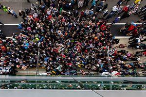 Les fans lors de la séance d'autographes