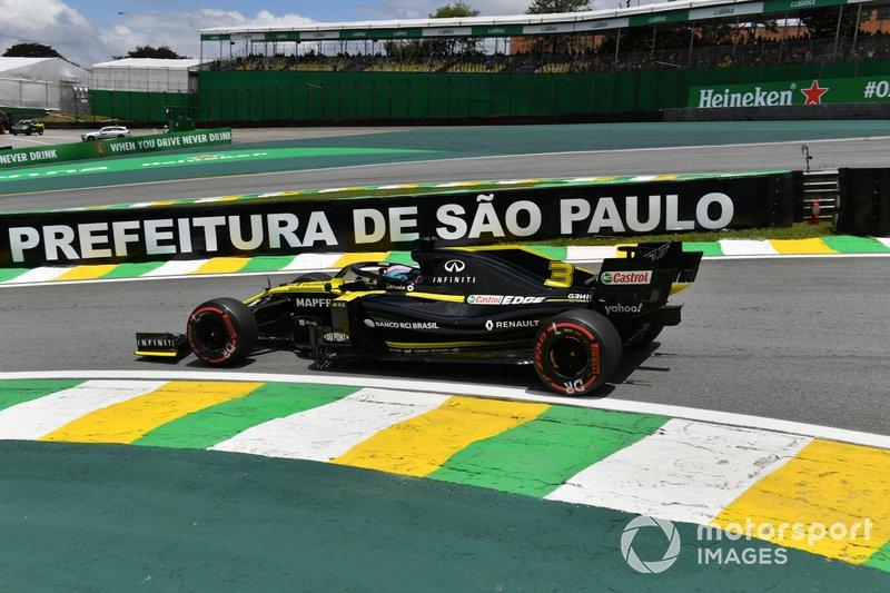 6º Daniel Ricciardo, Renault F1 Team R.S.19 1:33:25.219