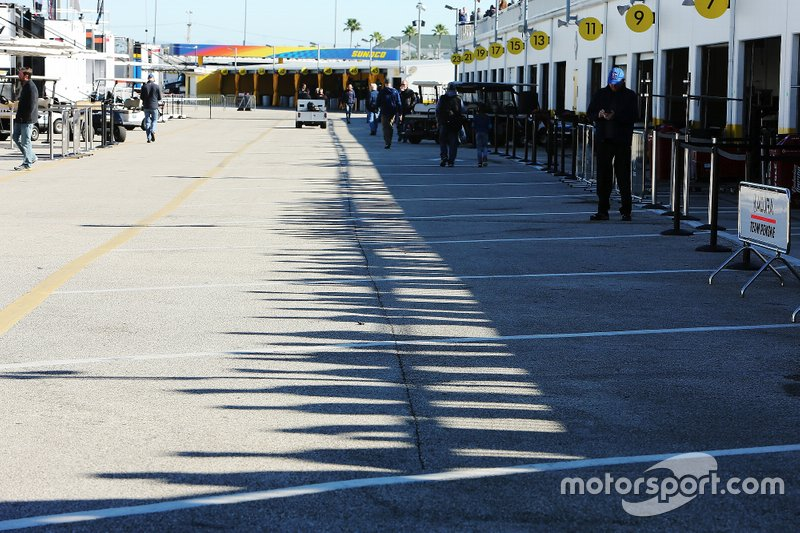 Daytona Garage area