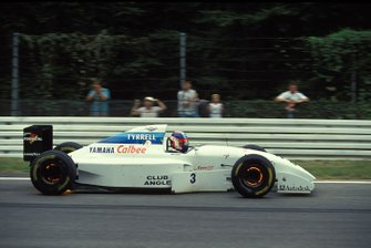 Ukyo Katayama, Tyrrell 022 Yamaha, with glowing brakes
