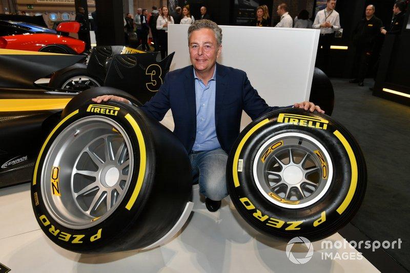 Mario Isola, Racing Manager, Pirelli Motorsport con i nuovi pneumatici Pirelli da 18 pollici