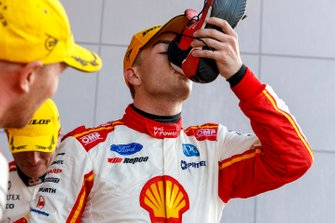 Podium: winner Scott McLaughlin, DJR Team Penske
