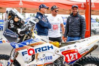 #127 Husqvarna: Sebastien Cojean, #300 Toyota Gazoo Racing: Nasser Al-Attiyah, Matthieu Baumel