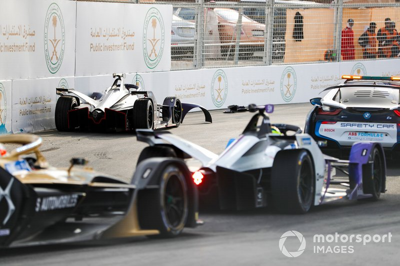 Sam Bird, Virgin Racing, Audi e-tron FE06 tras su accidente