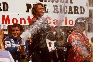 Podio: il vincitore della gara René Arnoux, Renault, il secondo classificato Alain Prost, Renault, il terzo classificato Didier Pironi, Ferrari