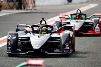 Oliver Rowland, Nissan e.Dams, Nissan IMO2 Daniel Abt, Audi Sport ABT Schaeffler, Audi e-tron FE06 into the pit lane