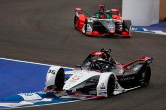 Андре Лоттерер, Porsche Formula E Team, Porsche 99X Electric, и Даниэль Абт, Audi Sport ABT Schaeffler, Audi e-tron FE06