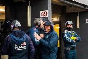 Craig Lowndes, Triple Eight Race Engineering Holden, mit Roland Dane