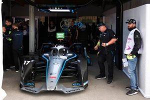 Nyck de Vries, Mercedes Benz EQ, EQ Silver Arrow 01 dans le garage