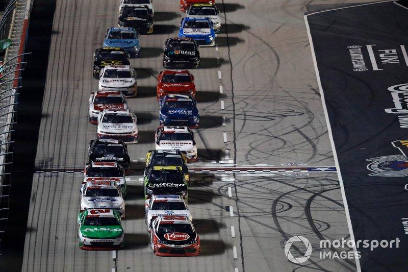 Christopher Bell, Joe Gibbs Racing, Toyota Supra Rheem, Tyler Reddick, Richard Childress Racing, Chevrolet Camaro Alsco, restart