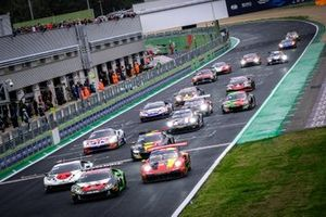 Start action GT Main race