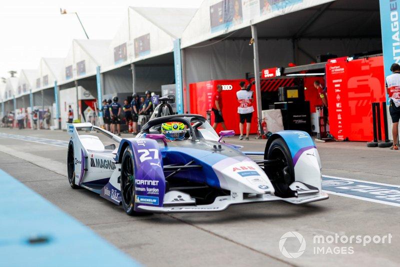 Alexander Sims, BMW I Andretti Motorsports, BMW iFE.20 esce dalla pit lane