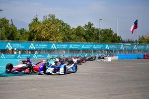 Pascal Wehrlein, Mahindra Racing, M6Electro a fianco a Maximilian Günther, BMW I Andretti Motorsports, BMW iFE.20