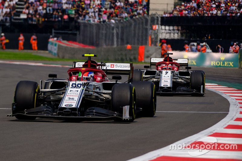 Antonio Giovinazzi, Alfa Romeo Racing C38, Kimi Raikkonen, Alfa Romeo Racing C38