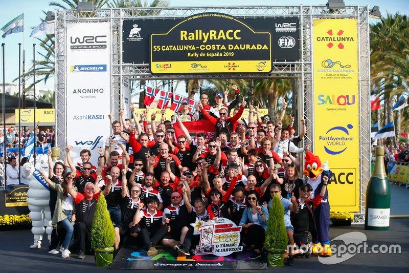 I Campioni Ott Tänak, Martin Järveoja, Toyota Gazoo Racing WRT Toyota Yaris WRC, con il team