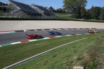 #556 Ferrari 488 Challenge, Al Tayer Dubai: Abduirahman Addas, #508 Ferrari 488 Challenge, Blackbird Concessionaires HK: Kenneth Lau