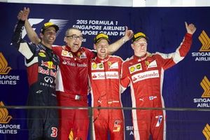 Podio: ganador Sebastian Vettel, Ferrari, segundo lugar Daniel Ricciardo, Red Bull Racing, tercer lugar Kimi Raikkonen, Ferrari