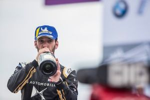 Jean-Eric Vergne, DS TECHEETAH, 3rd position, drinks champagne on the podium