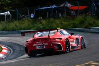 #16 GetSpeed Performance Mercedes AMG GT3: Renger van der Zande, Tristan Vautier, Dominik Baumann, Jan Seyffarth with a flat tire