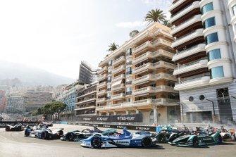 Mitch Evans, Panasonic Jaguar Racing, Jaguar I-Type 3 Antonio Felix da Costa, BMW I Andretti Motorsports, BMW iFE.18, Stoffel Vandoorne, HWA Racelab, VFE-05