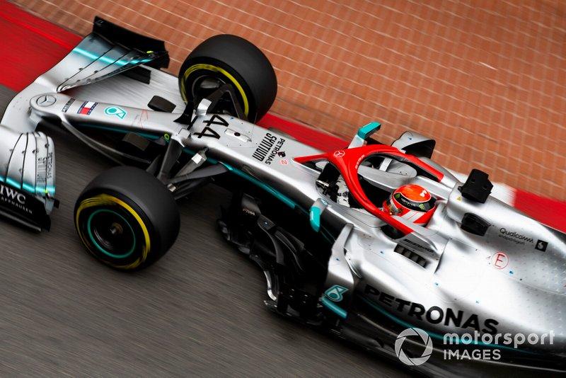 На 69-м круге Red Bull сказал Ферстаппену повысить мощность мотора. Хэмилтона эта новость не порадовала
