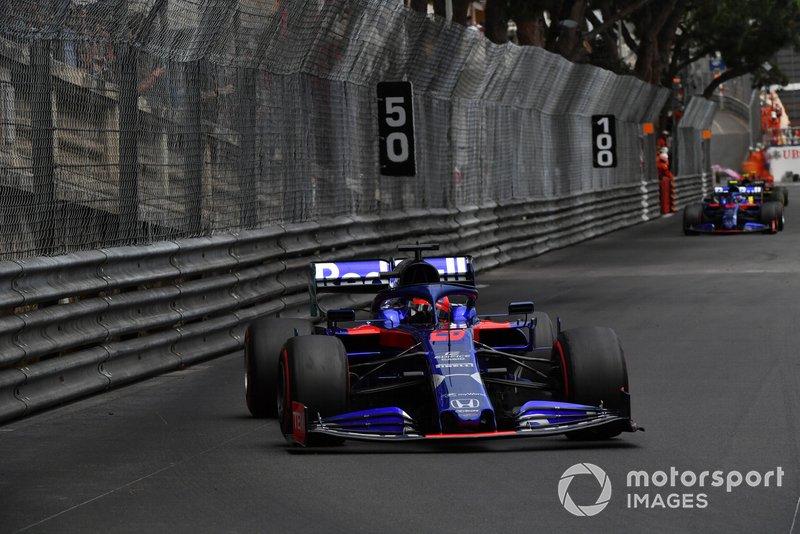 Daniil Kvyat - 5 puntos de penalización