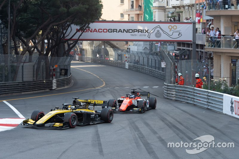 Guanyu Zhou, UNI Virtuosi Racing and Artem Markelov, MP Motorsport