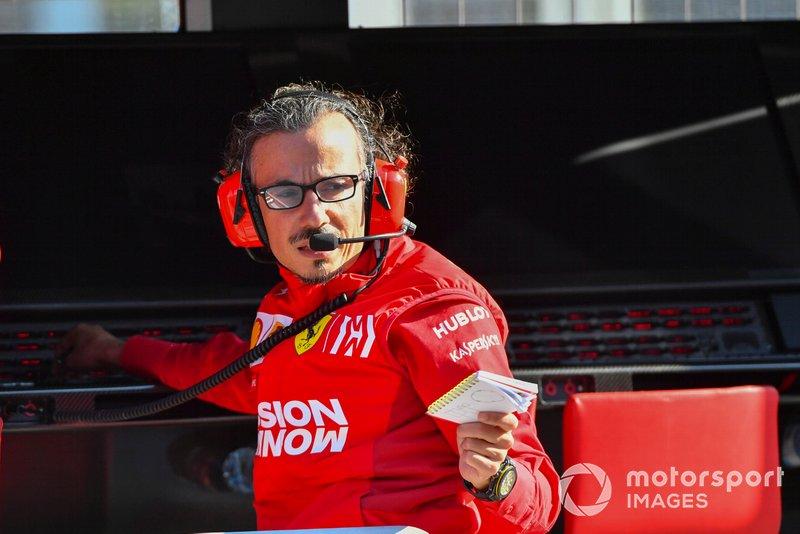 Laurent Mekies, Direttore Sportivo, Ferrari, al muretto box Ferrari