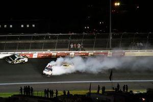 Denny Hamlin, Joe Gibbs Racing, Toyota Camry FedEx Express spins