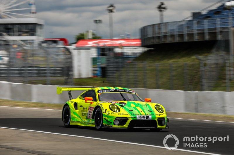 #911 Porsche 911 GT3 R, Manthey-Racing: Earl Bamber, Michael Christensen, Kevin Estre, Laurens Vanthoor