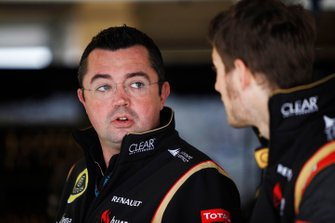 Eric Boullier, Director Lotus F1, con Romain Grosjean, Lotus F1