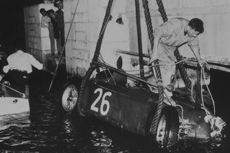 Alberto Ascari, Lancia D50, crashes into the harbour