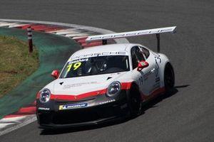 笹原右京(Porsche Japan Junior Programme)