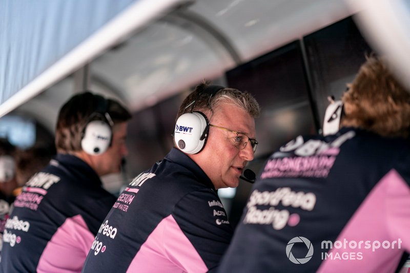 Otmar Szafnauer, Team Principal and CEO, Racing Point on the pit wall