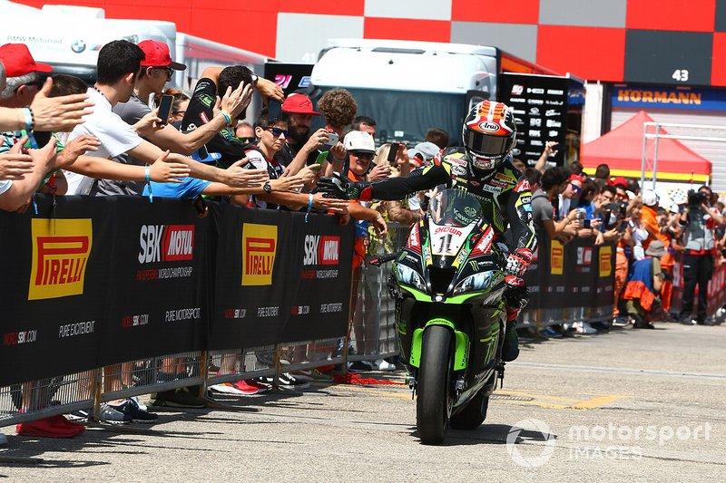 Jonathan Rea, Kawasaki Racing Team takes pole