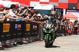Jonathan Rea, Kawasaki Racing Team, décroche la pole position