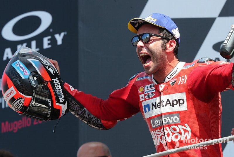Podio: el gnaador Danilo Petrucci, Ducati Team