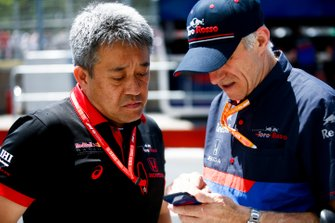 Masashi Yamamoto, General Manager, Honda Motorsport, with Franz Tost, Team Principal, Toro Rosso