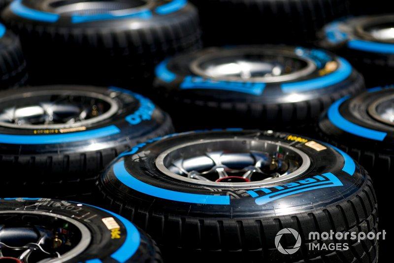 Neumáticos para lluvia Pirelli