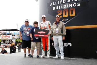 Chase Briscoe, Stewart-Haas Racing, Ford Mustang Nutri Chomps and Dash 4 Cash guest.