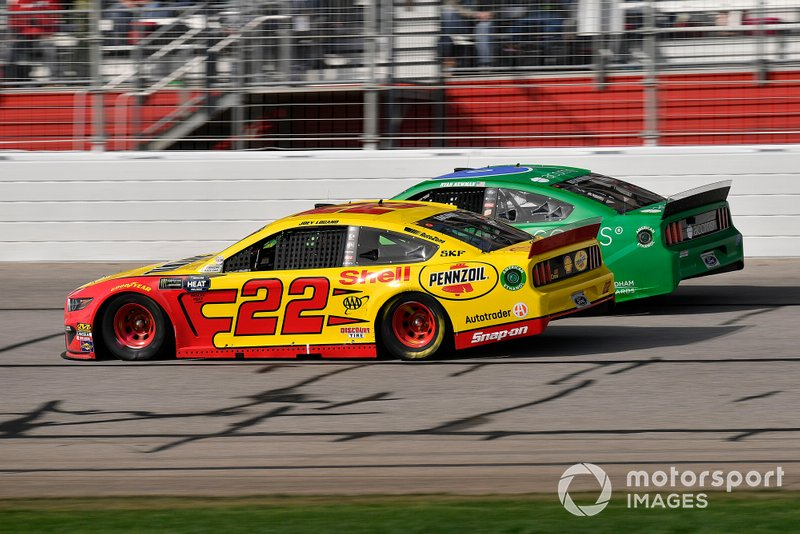 Joey Logano, Team Penske, Ford Mustang Shell Pennzoil, Ryan Newman, Roush Fenway Racing, Ford Mustang Acorns