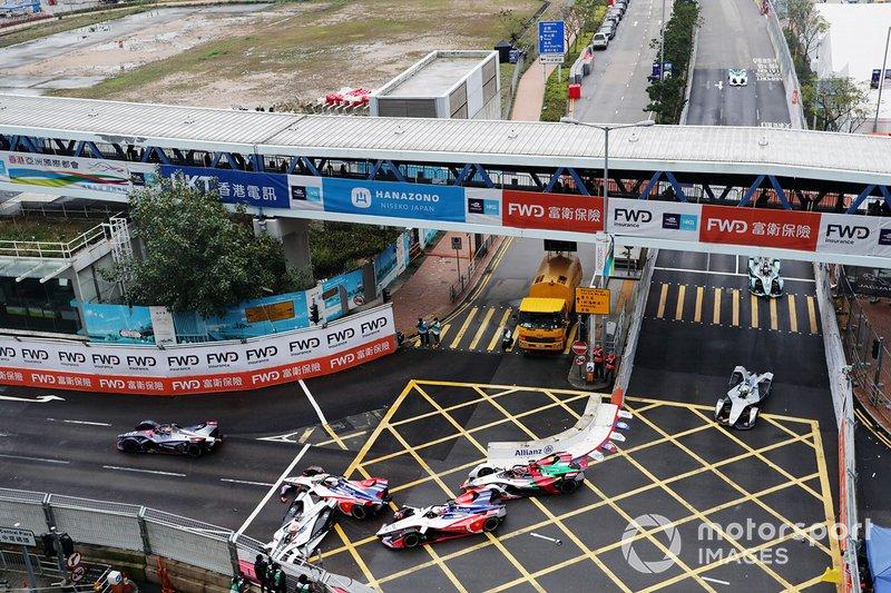 Felipe Nasr, Dragon Racing, Penske EV-3 choca y se lleva a Pascal Wehrlein, Mahindra Racing, M5 Electro, Jérôme d'Ambrosio, Mahindra Racing, M5 Electro