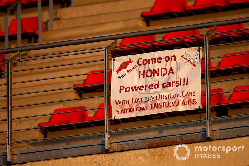 Fans banner for Honda powered cars